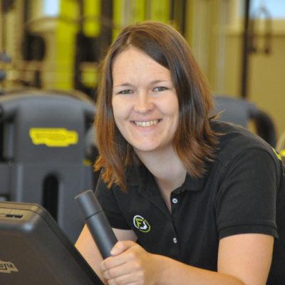 Fitnesscenter Waizenkirchen - Ihr Fitnesspartner in Waizenkrichen Österreich - Unser Team - Mitarbeiterin Katharina - Kinesiologie und Kinderbetreuung