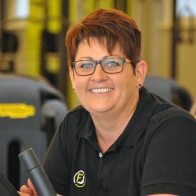 Fitnesscenter Waizenkirchen - Ihr Fitnesspartner in Waizenkrichen Österreich - Unser Team - Mitarbeiterin Cornelia - Empfang