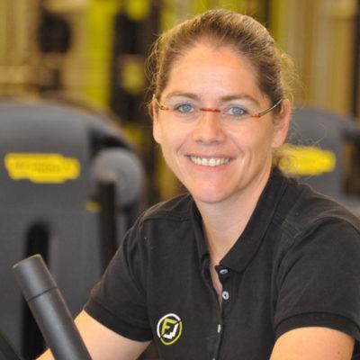 Fitnesscenter Waizenkirchen - Ihr Fitnesspartner in Waizenkrichen Österreich - Unser Team - Mitarbeiterin Iris - Empfang und Kinderbetreuung